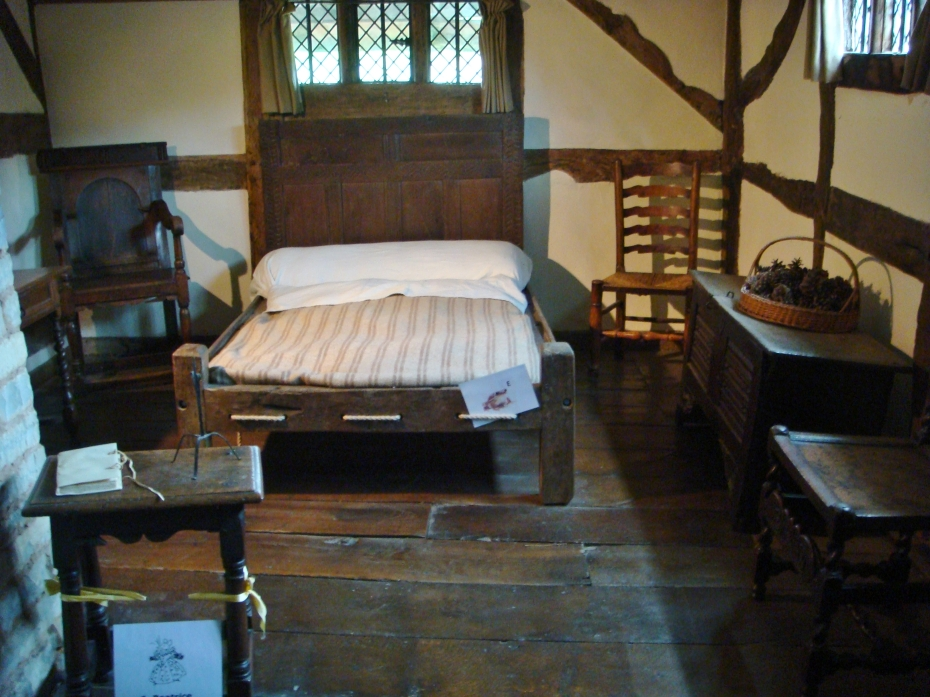 Shakespeare came from a rich family - but the facilities in the room is somewhat simplistic by today's standard.